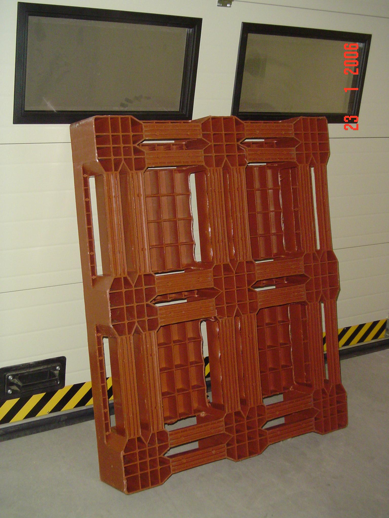 Kasutatud plastist kaubaalus 1000x1200x170, 1000kg